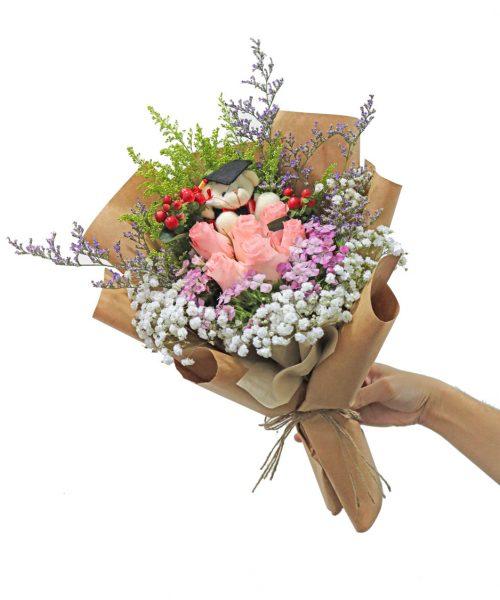 pink-rose-graduation-bouquet