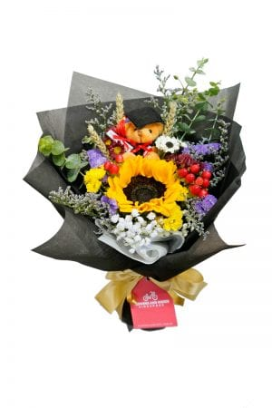 sunflower-graduation-bouquet
