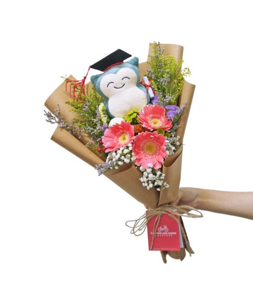 Daisy-Snorlax-Graduation-Bouquet